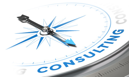 gestion: Imagen del concepto de consultoría de negocios, brújula con la aguja hacia la palabra de consultoría, los tonos azules sobre fondo blanco Foto de archivo