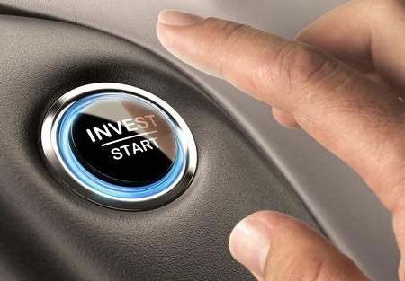Op de vingers over om op een knop te investeren, financiële concept investering of besluitvorming Stockfoto - 41351865