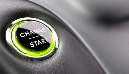 Finger punto de pulsar un botón de cambio. Concepto de desarrollo de la carrera o de un cambio de vida