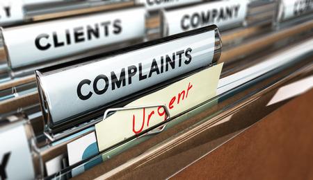 Schließen Sie oben auf einer Datei Registerkarte mit dem Wort Beschwerden, konzentrieren sich auf den Haupttext und Unschärfe-Effekt. Konzept Bild für die Darstellung der Kundenservice Beschwerdemanagement