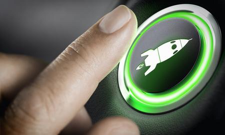 Hombre dedo presionando un botón de impulso con un icono de cohete, fondo negro y luz verde. Compuesto entre una fotografía y un fondo 3D. Concepto de puesta en marcha. Foto de archivo
