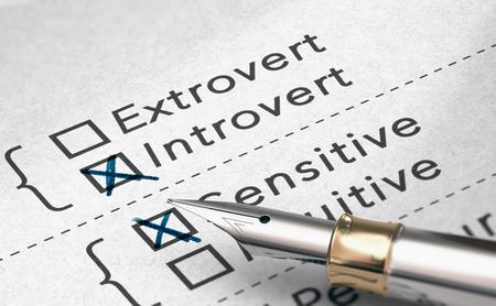 3D-Darstellung des Persönlichkeitstests mit zwei Wörtern extrovertiert und introvertiert und einem Füllfederhalter. Standard-Bild
