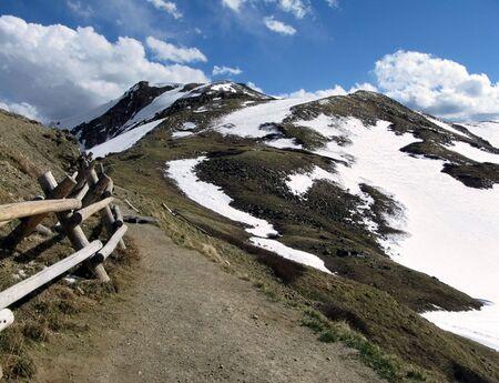 Narrow mountain path in the Rocky Mountains in Colorado Stok Fotoğraf
