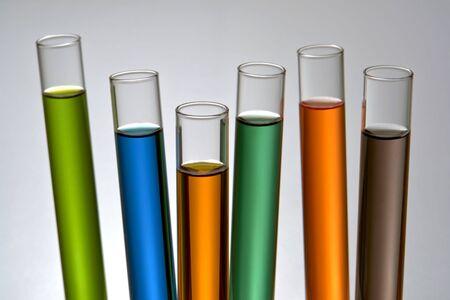 Groep van buizen van glas test in een onderzoeks laboratorium van de wetenschap  Stockfoto