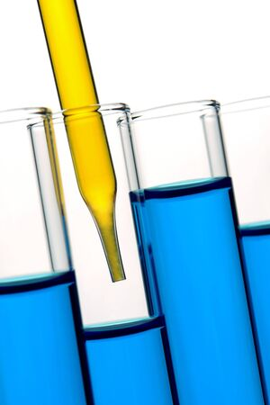 科学研究室で実験用ガラス試験管内液体で満ちているピペット 写真素材