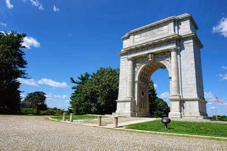 national monuments: National Memorial Arch monument dedicated to George Washington and the United States Continental Army in historic Valley Forge National Park near Philadelphia  in Pennsylvania