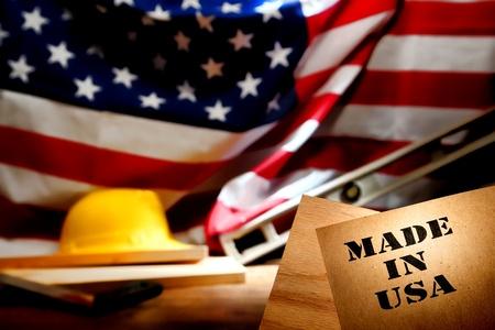 logotipo de construccion: Hecho en EE.UU. logotipo de sello de la plantilla en papel reciclado marrón Foto de archivo