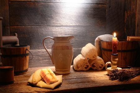 yesteryear: Cuarto de ba�o antiguo escena cosecha, nost�lgico,