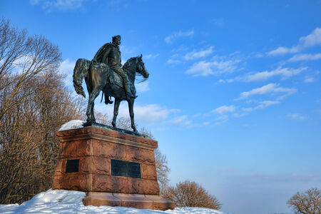 forge: Brigadier general Mad Anthony Wayne statue on horse as leader of the Continental Army of the American Revolutionary War in winter snow at Valley Forge National Historical Park military camp near Philadelphia in Pennsylvania