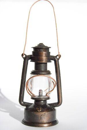 paraffine: geïsoleerde foto van de oude petroleumlamp Stockfoto