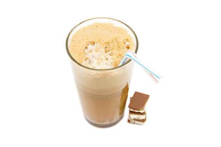 fredo: Freddo caffè greco - frappe isolata on white