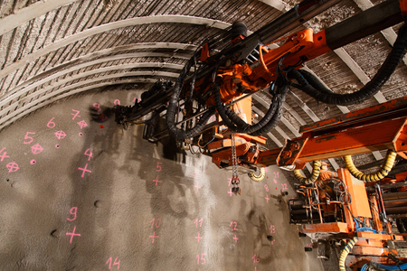 Construction of piperoof grouting for tunnel construction. Reklamní fotografie - 46567757