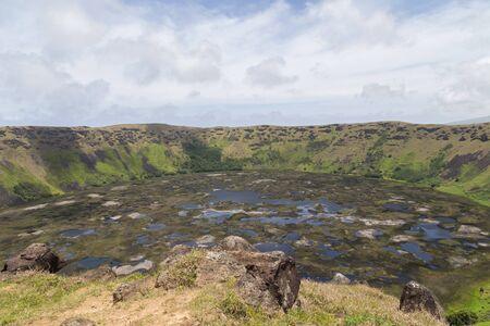 rapa nui: Fotograf�a del cr�ter del volc�n Rano Kau en Rapa Nui, Isla de Pascua, Chile.