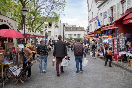 Paris, France - May 12, 2017: People on the famous Place du Tertre in Montmartre district 報道画像