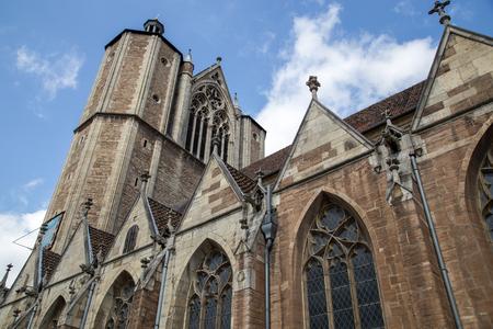 Braunschweig, Deutschland - 23. August 2014: Außenansicht des Braunschweiger Doms im historischen Stadtzentrum.