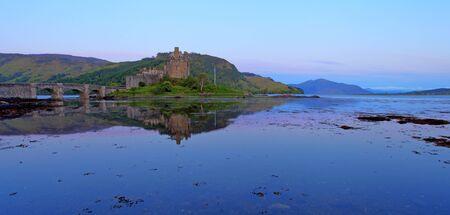 highlander: Eilan Donan nelle Highlands scozzesi l'impostazione del film di Highlander Archivio Fotografico
