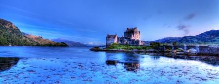 highlander: Eilan Donan en las tierras altas de Escocia el ajuste de la película Highlander