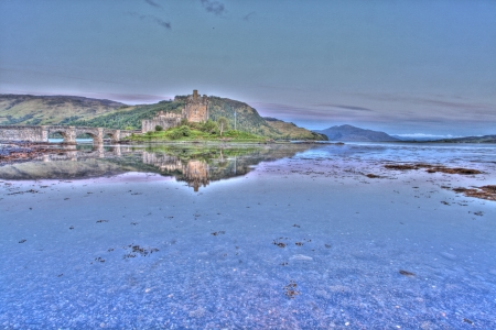 highlander: Eilan Donan nelle Highlands scozzesi l'impostazione del film di highlander