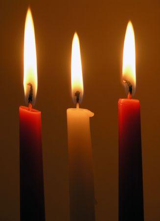 solemnity: tre candele di masterizzazione: bianchi e due rossi