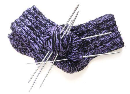 Laine tricoté chaussettes, les fils et les aiguilles à tricoter  Banque d'images - 7944160