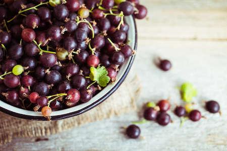 gooseberries: currant with gooseberries