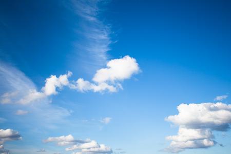 heaven?: cielo azul con nubes portarretrato