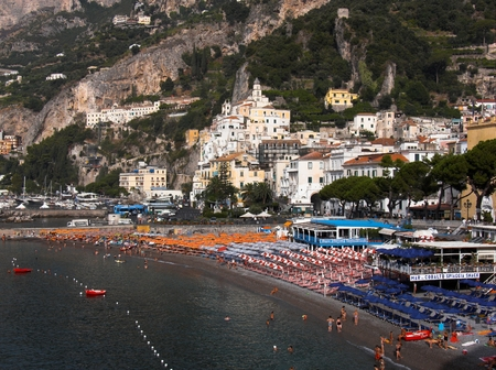 commune: Amalfi panorama of the village of the coast and of the beach