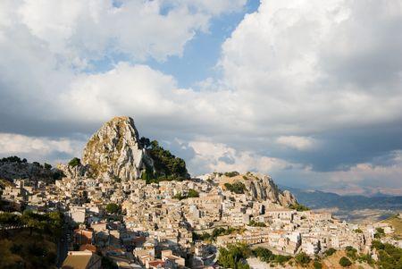 caltabellotta: rock and village of Caltabellotta Stock Photo