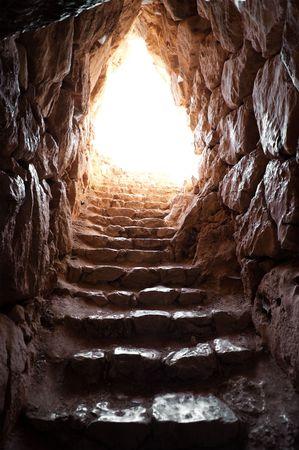 grotte: la sortie d'une grotte dans les fouilles arch�ologiques de Myc�nes Banque d'images