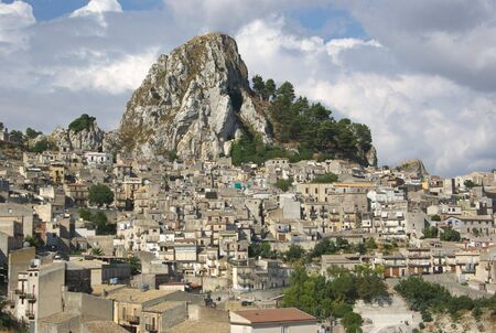 caltabellotta: view of a old village dominated by a rock in the sicilian outback  Stock Photo
