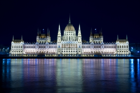 obuda: Budapest  night view of the Hungarian Parliament Building that is reflected in the River Danube