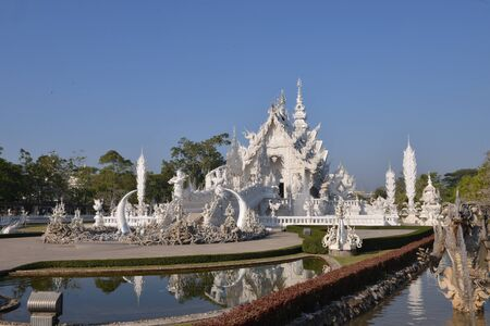 Wat Rong Khun, White temple in Thailand 報道画像