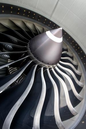 航空機のジェット エンジンのクローズ アップ