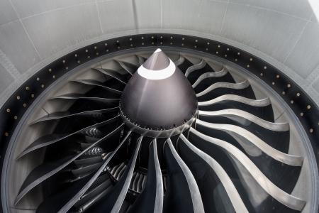 民間航空機のジェット エンジンのクローズ アップ