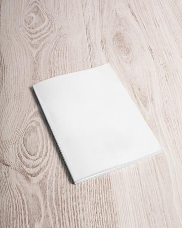 portadas de libros: Portada de revista con la página en blanco blanco maqueta