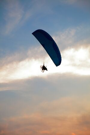 airfoil: Paraglider - Feeling free on the sunset sky