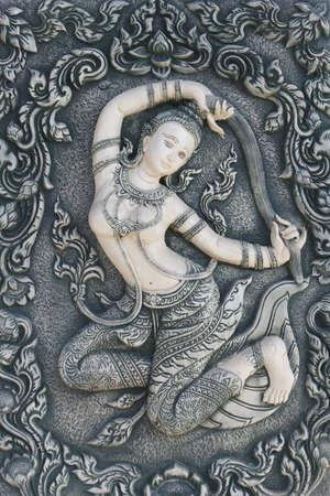madre tierra: La madre tierra en la escultura de estilo tailand�s Foto de archivo