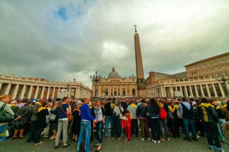 04/09/2014 - Rome, Italy: Tourists and faithful in St. Peter's Square during a general audience of Pope Francis