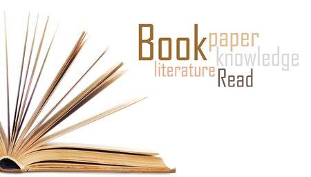 fondo de graduacion: Abra el libro aislado en el fondo blanco