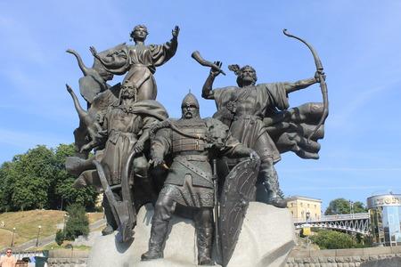 founders: Monument to the founders of Kiev on Independence square