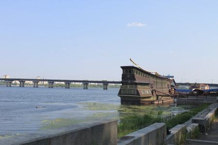 dnieper: Restaurant styled as an ancient sailing vessel in Kiev