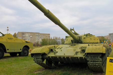seconda guerra mondiale: Soviet tank of Second World War in park. Yuzhnoukrainsk, Ukraine
