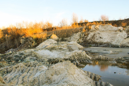 suelo arenoso: Sand pit with water in quarry