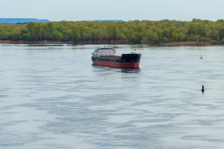 Cargo ship sailing on the river Dnieper Foto de archivo