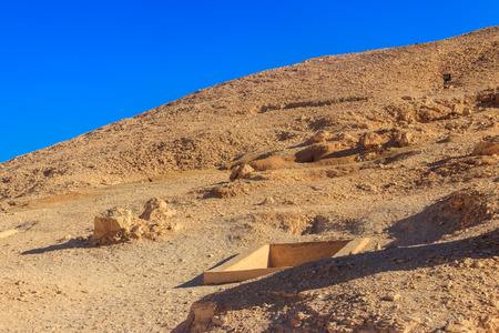 Valley of kings on West Bank of Nile river in Luxor, Egypt 版權商用圖片
