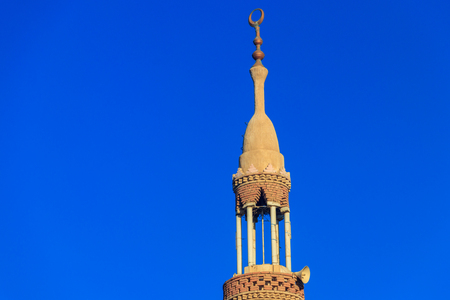 Minaret of mosque in Dahar neighborhood (old town of Hurghada) in Egypt Archivio Fotografico
