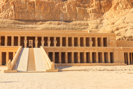 Mortuary Temple of Hatshepsut in Luxor, Egypt 版權商用圖片 - 122228766