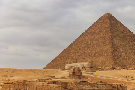 Egyptian Great Sphinx and pyramids of Giza in Cairo, Egypt Reklamní fotografie