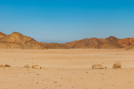 View of Arabian desert and mountain range Red Sea Hills in Egypt Reklamní fotografie