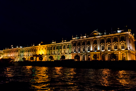 Night view of Winter Palace in St. Petersburg, Russia. View from the Neva river Stok Fotoğraf - 130377716
